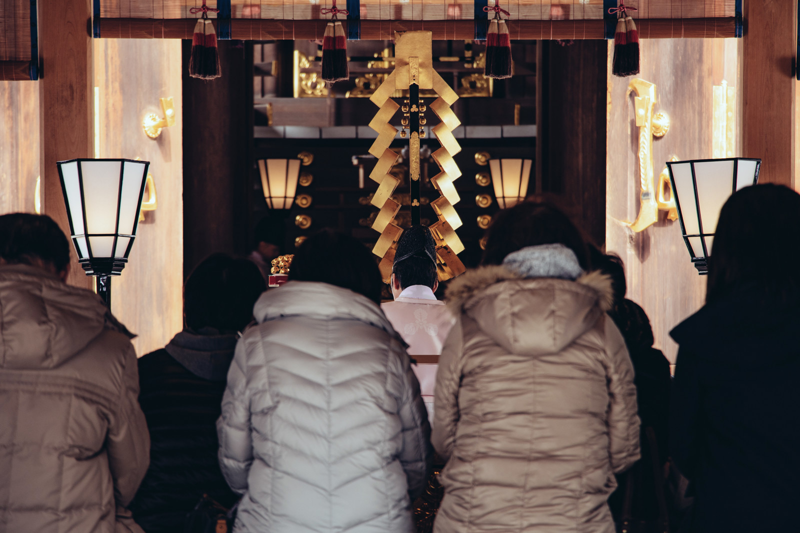 People lining up to pray in the shrine during New Years.