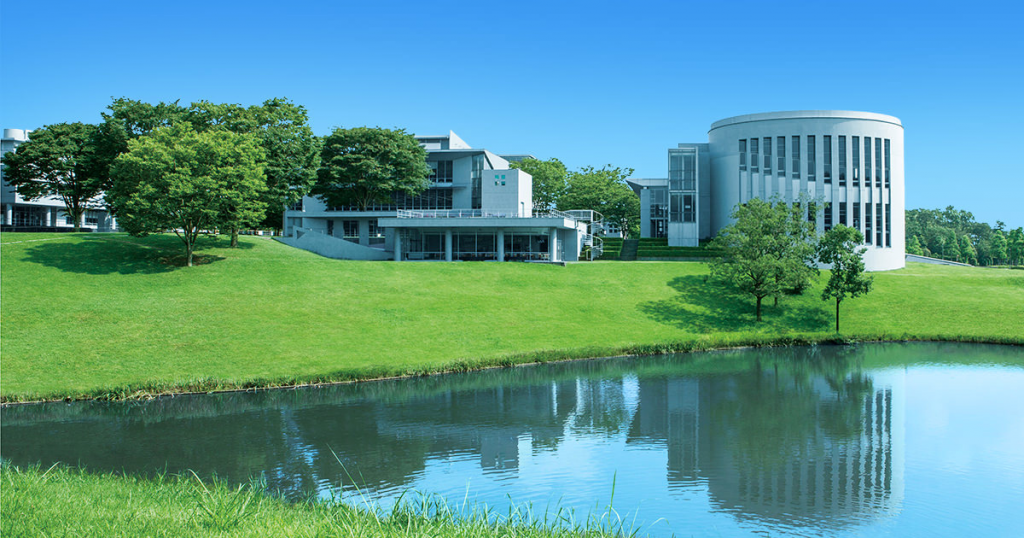 Keio University's natural and beautiful shonan fujisawa campus