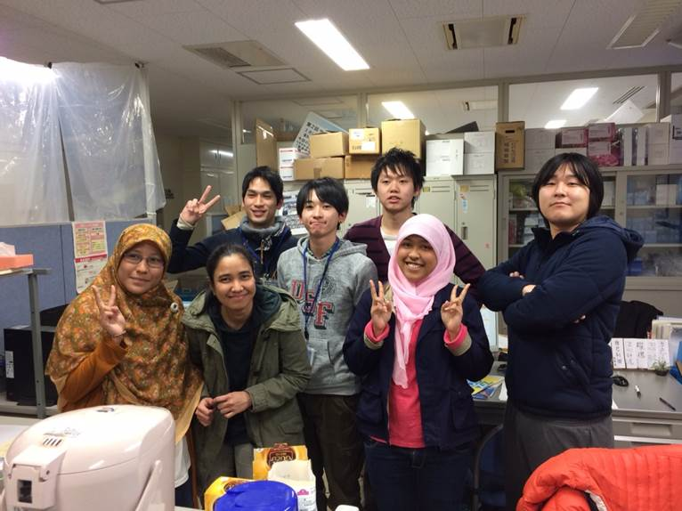 Exchange students at Kanazawa University can learn Japanese while pursuing their selected research
