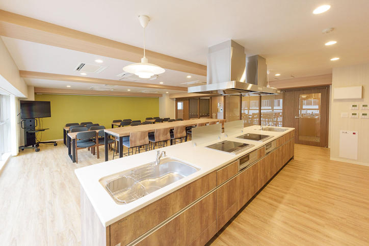 The new Hiyoshi International Student dormitory is a comfortable living space for students.