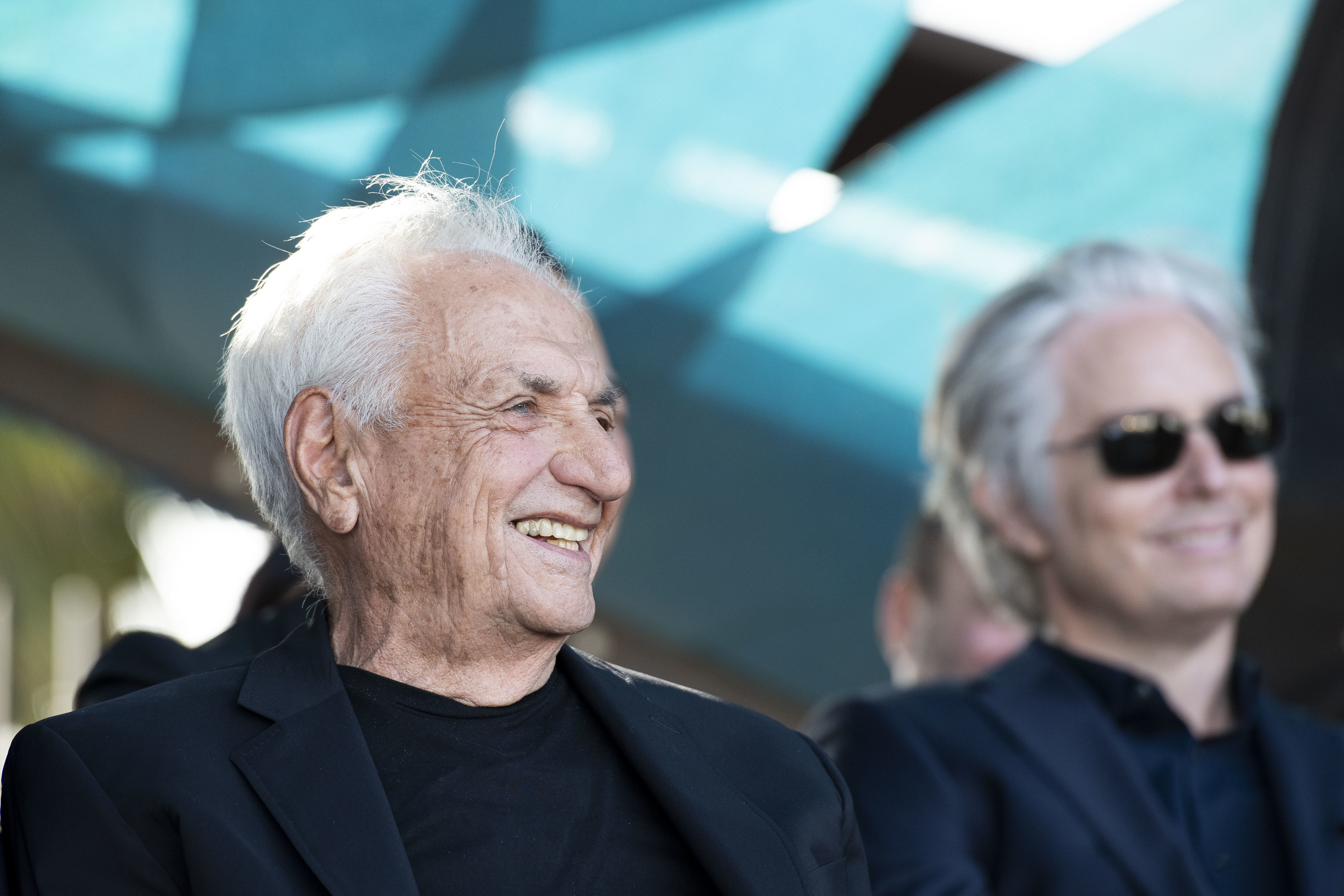 candid photography of Frank Gehry