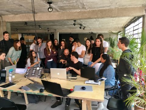 SCI-Arc students and Ibero-American University students work together in the SCI-Arc Mexico space.