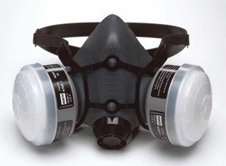 North 5500 Series Half Mask, (2) N75001L cartridges, (2) N95 filters, LG