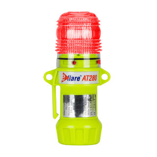 """PIP 939-AT280-R Compact, Red, Flashing or Steady-On 1-Color, 8 LED, Four """"AA"""" Batteries"""