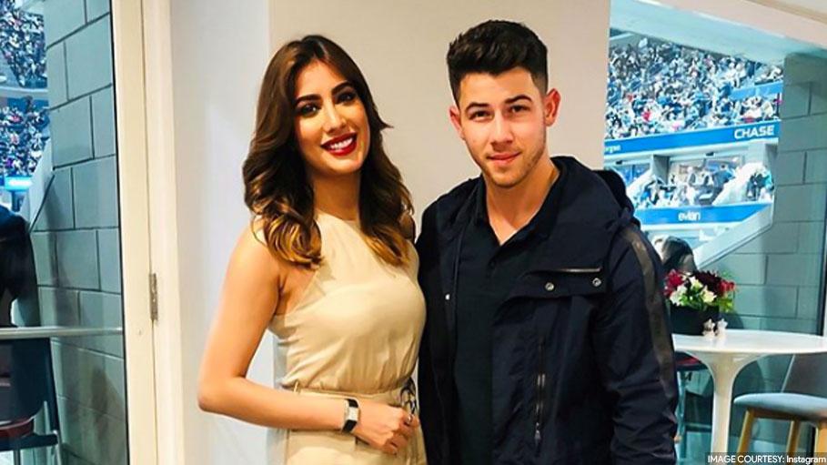 Priyanka Chopra's Critic Mehwish Hayat Posts a Picture of Her with Nick Jonas