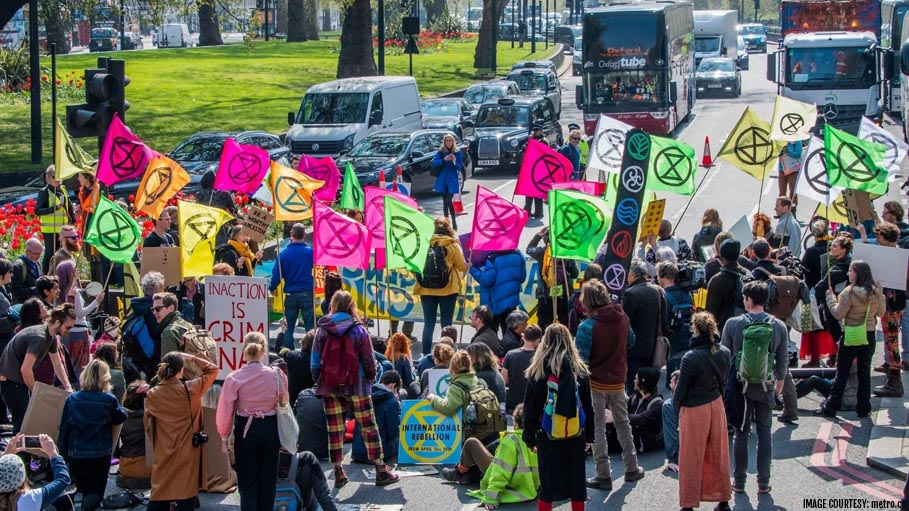 Climate Change Protesters Bring London Streets to a Halt