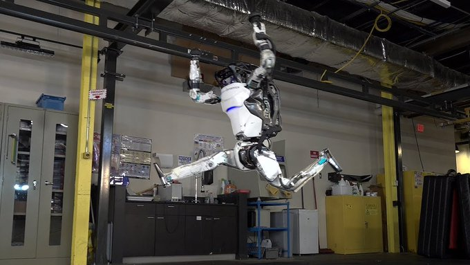 Humanoid Robot 'Atlas' Hits Gym, Video Goes Viral