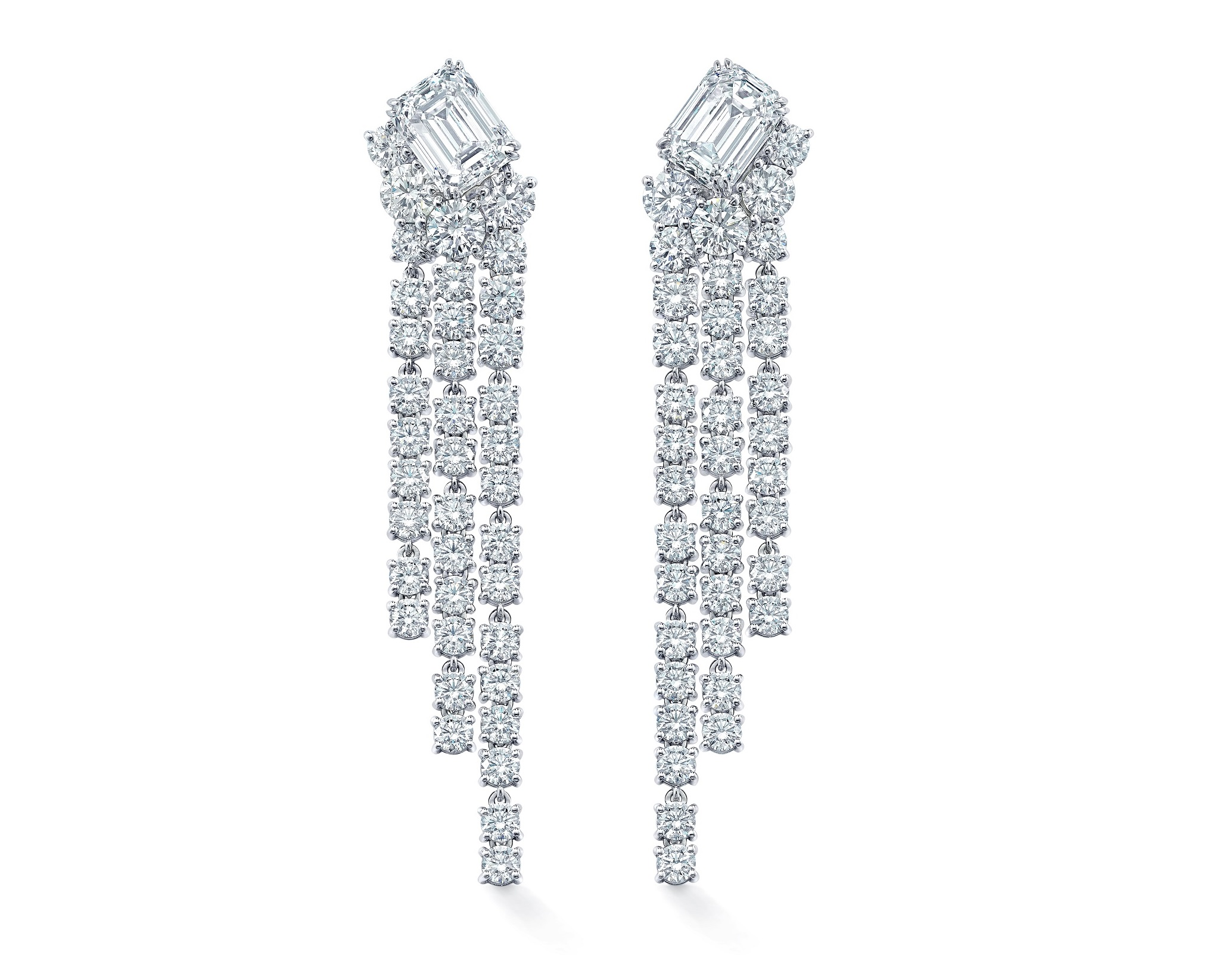 Mandy Moore, Viola Davis Sparkle in Forevermark Diamonds at Annual Emmy Awards