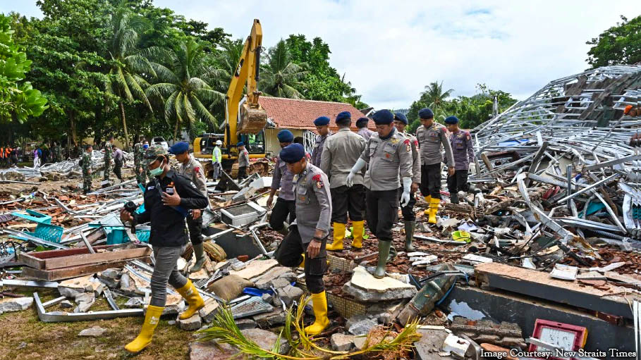 Tsunami Hits Indonesia Again, Kills Nearly 300