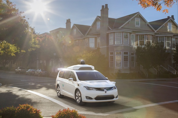 Waymo's autonomously driven Chrysler Pacifica Hybrid minivan 4