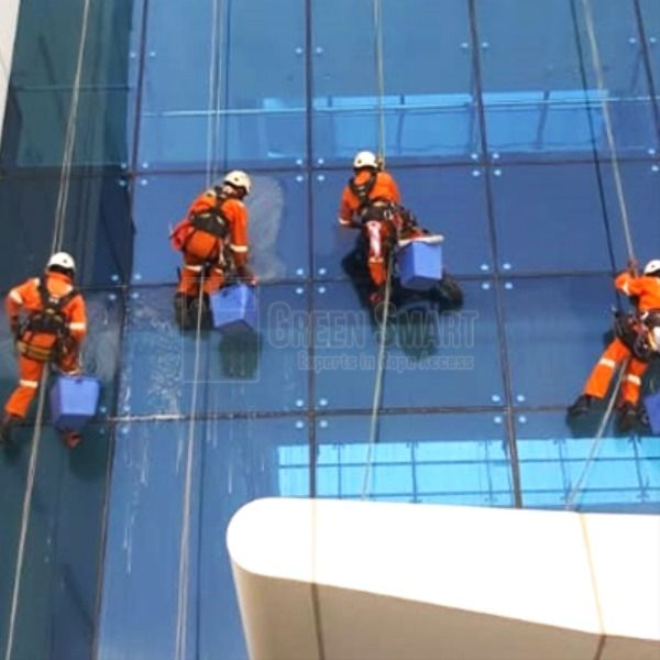 Façade Glass Cleaning Services
