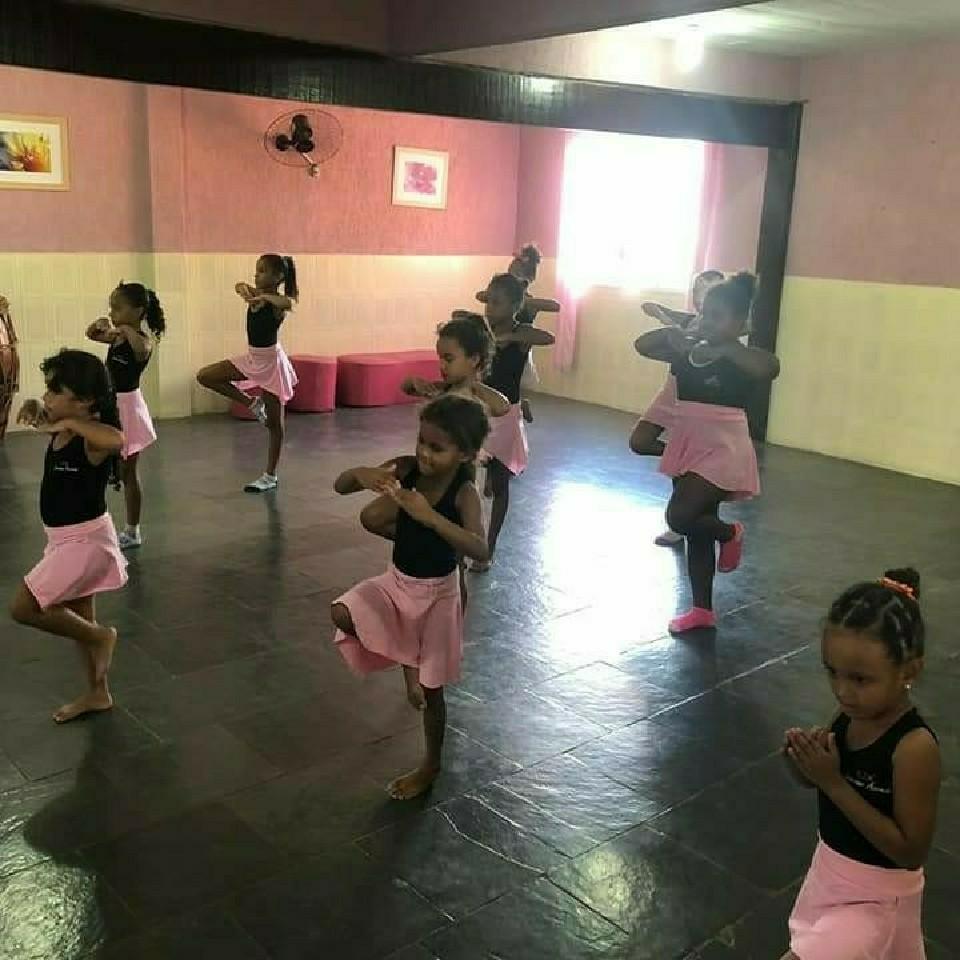 Oficina de Ballet infantil.
