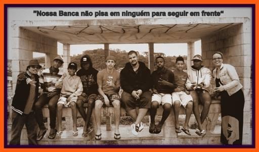 Foto da equipe da ONG A Banca