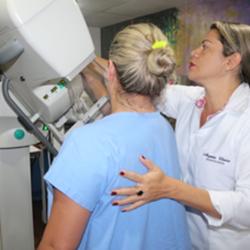 64 Exames de Mamografia