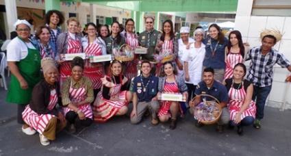 Foto da equipe da ONG Associação de Pais e Amigos dos Excepcionais de Belo Horizonte