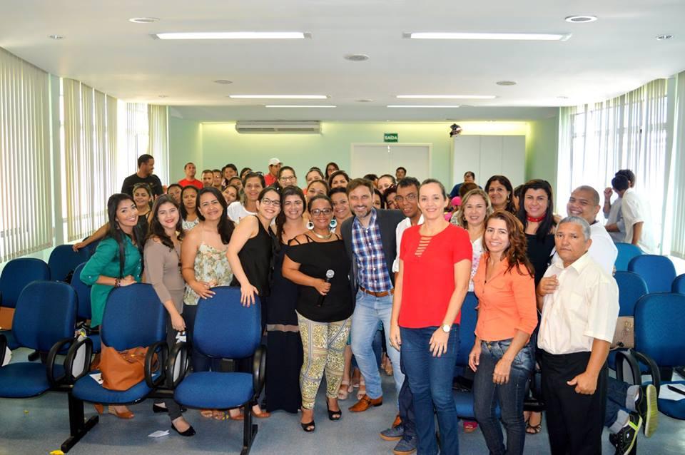Foto da equipe da ONG casa de apoio à criança com câncer durval paiva