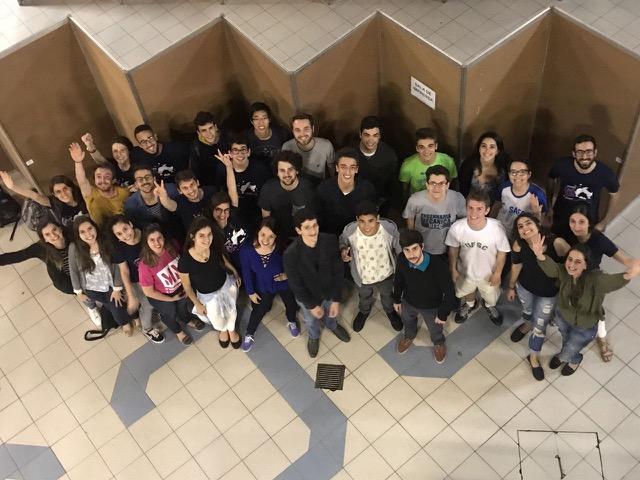 Foto da equipe da ONG Projeto Einstein pré-vestibulares