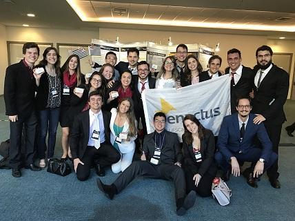 Foto da equipe da ONG Enactus UFSCar
