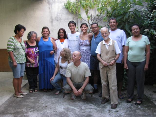Foto da equipe da ONG Espaço de Formação Assessoria e Documentação