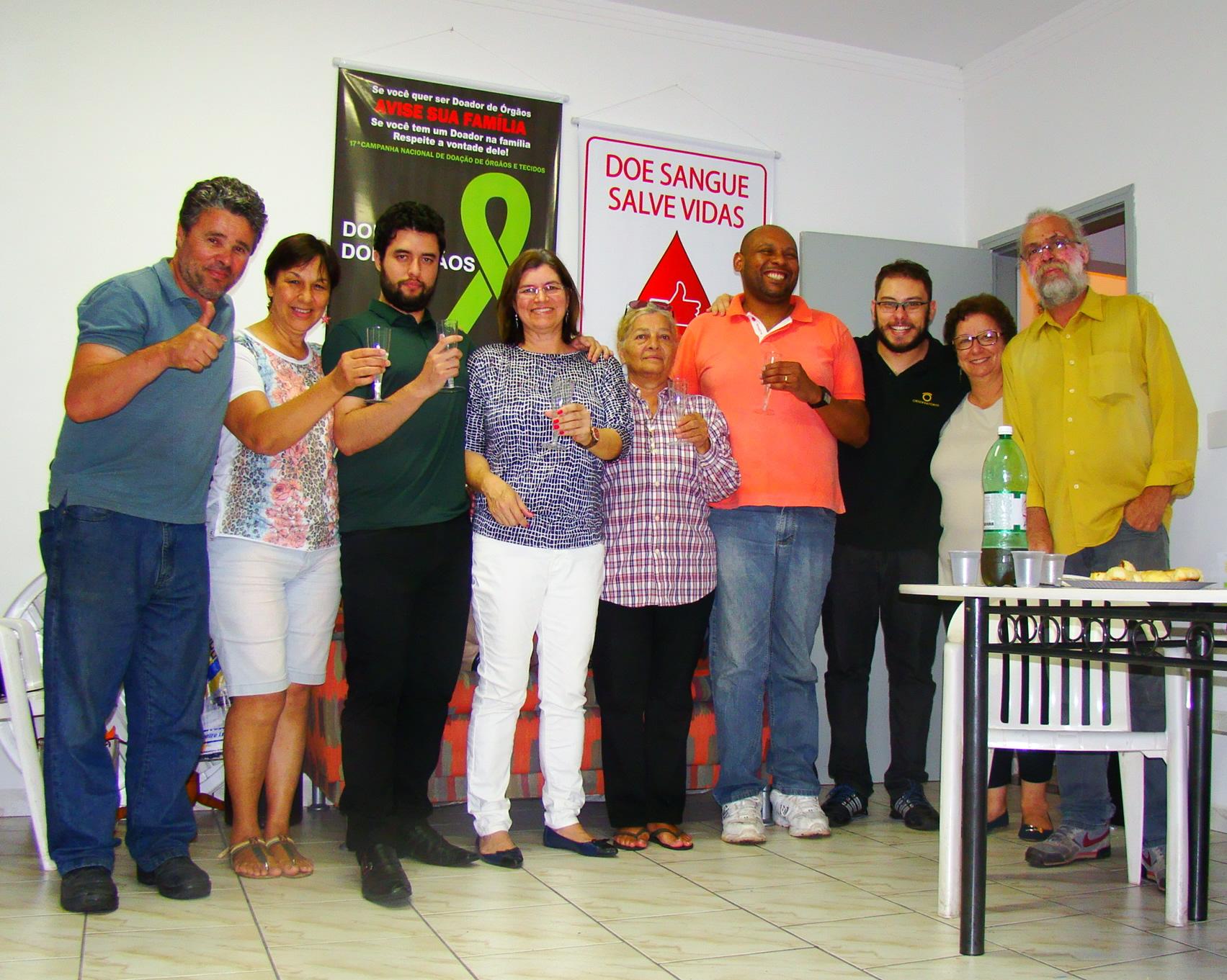 Foto da equipe da ONG GABRIEL-Grupo de Atuação Brasileira para Realização de Transplantes