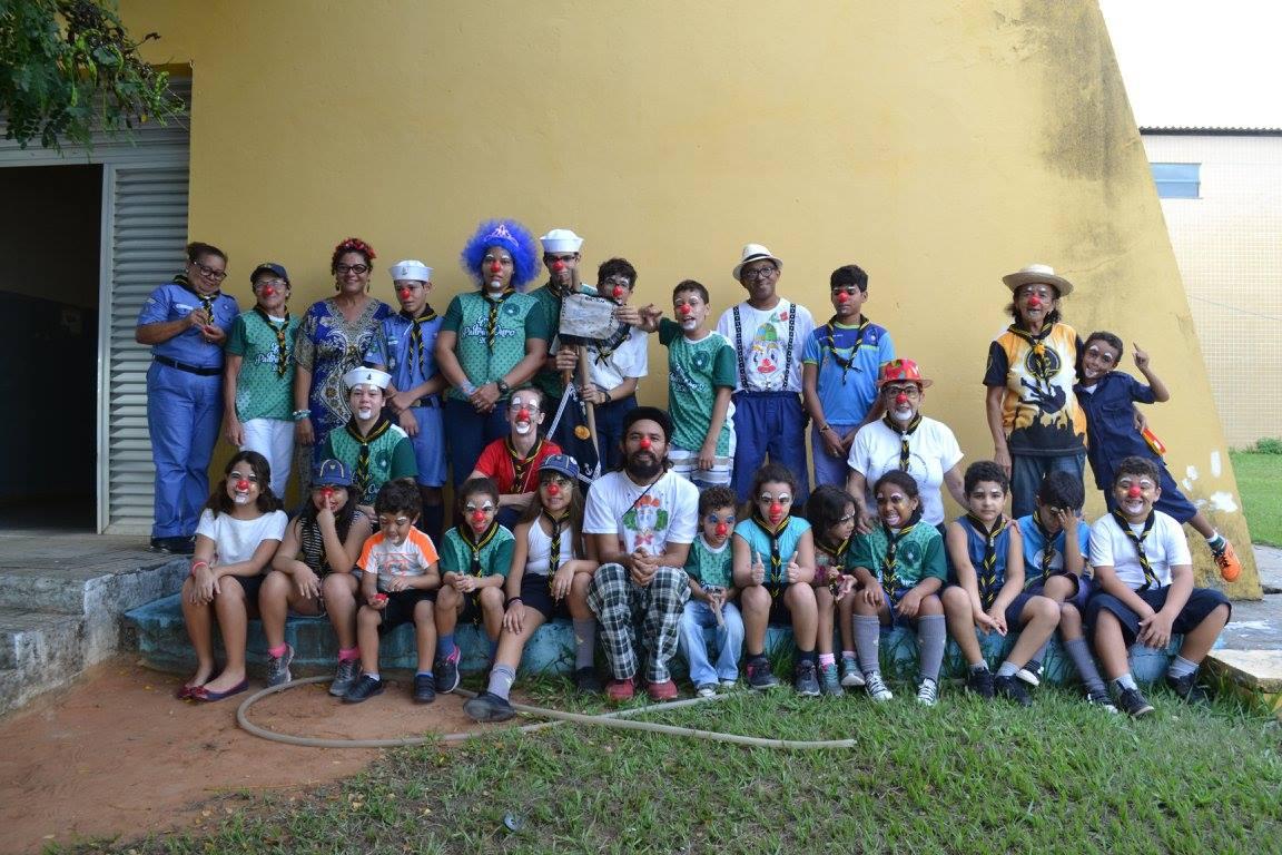 Foto da equipe da ONG Grupo Escoteiro do Mar Artífices Náuticos