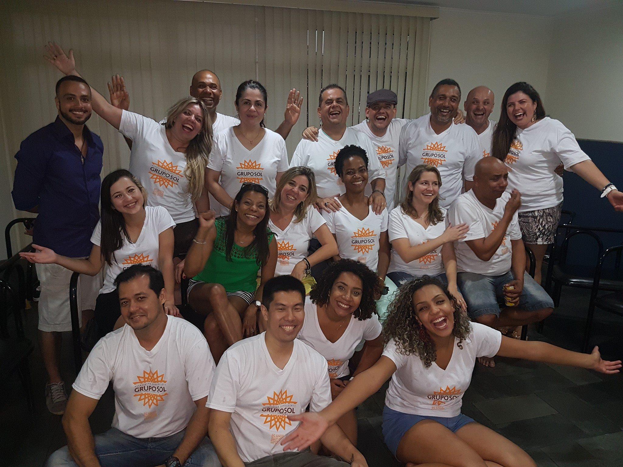 Foto da equipe da ONG Associação Beneficente Grupo Sol