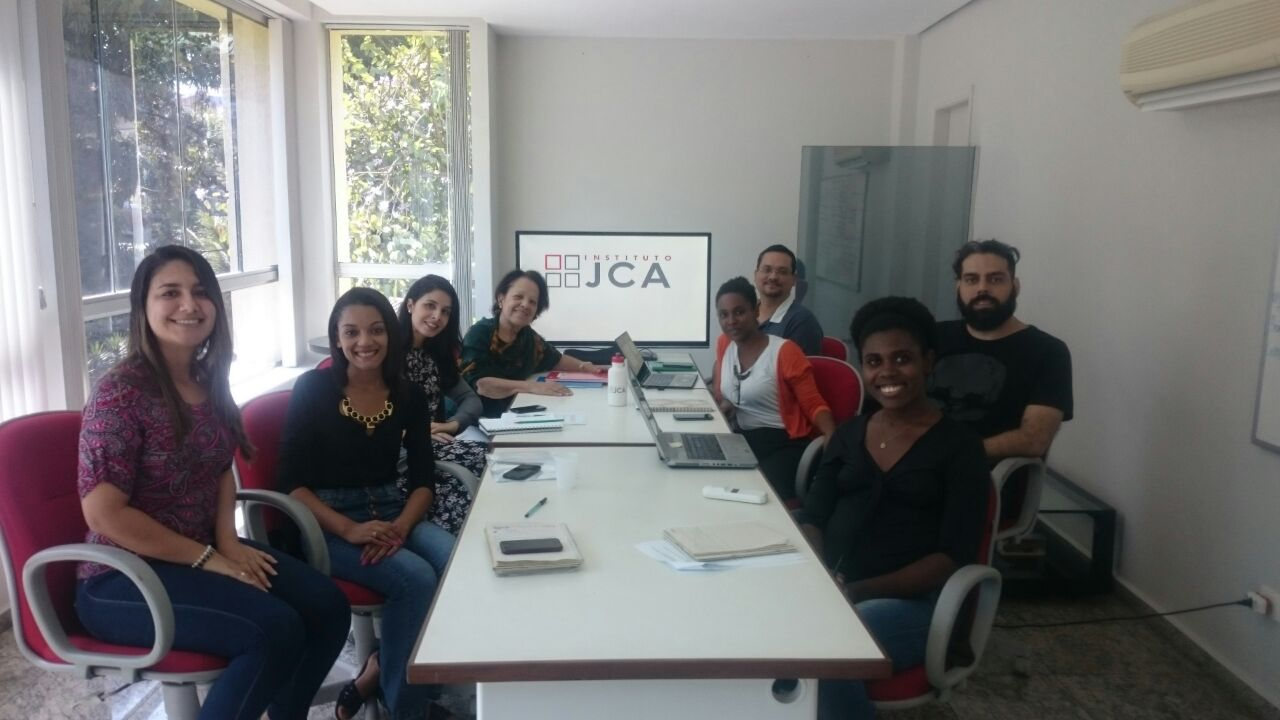 Foto da equipe da ONG Instituto Jelson da Costa Antunes (IJCA)