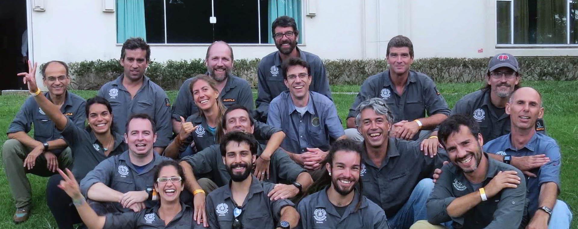 Foto da equipe da ONG Outward Bound Brasil