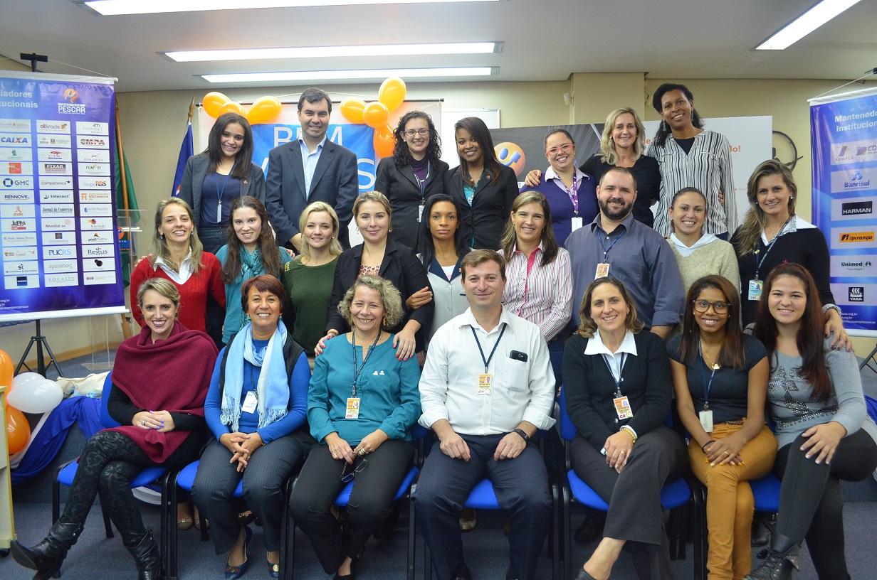 Foto da equipe da ONG Fundação Projeto Pescar