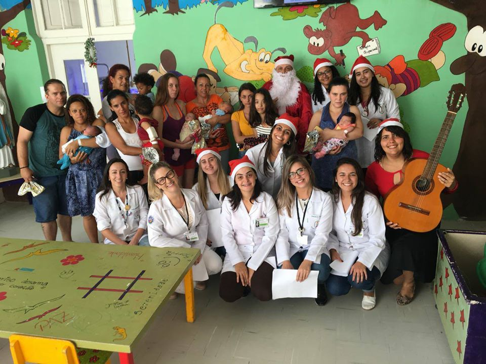 Foto da equipe da ONG Santa Casa de Pelotas