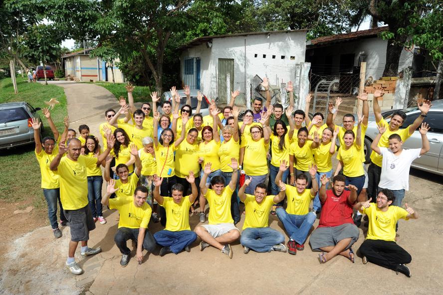 Foto da equipe da ONG Sociedade Espírita Trabalho e Esperança