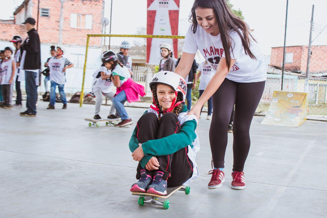 Foto da equipe da ONG associação  social skate