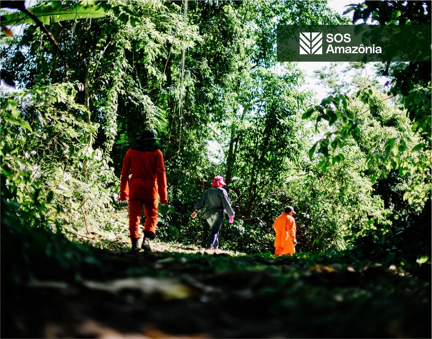 Foto da equipe da ONG SOS Amazônia