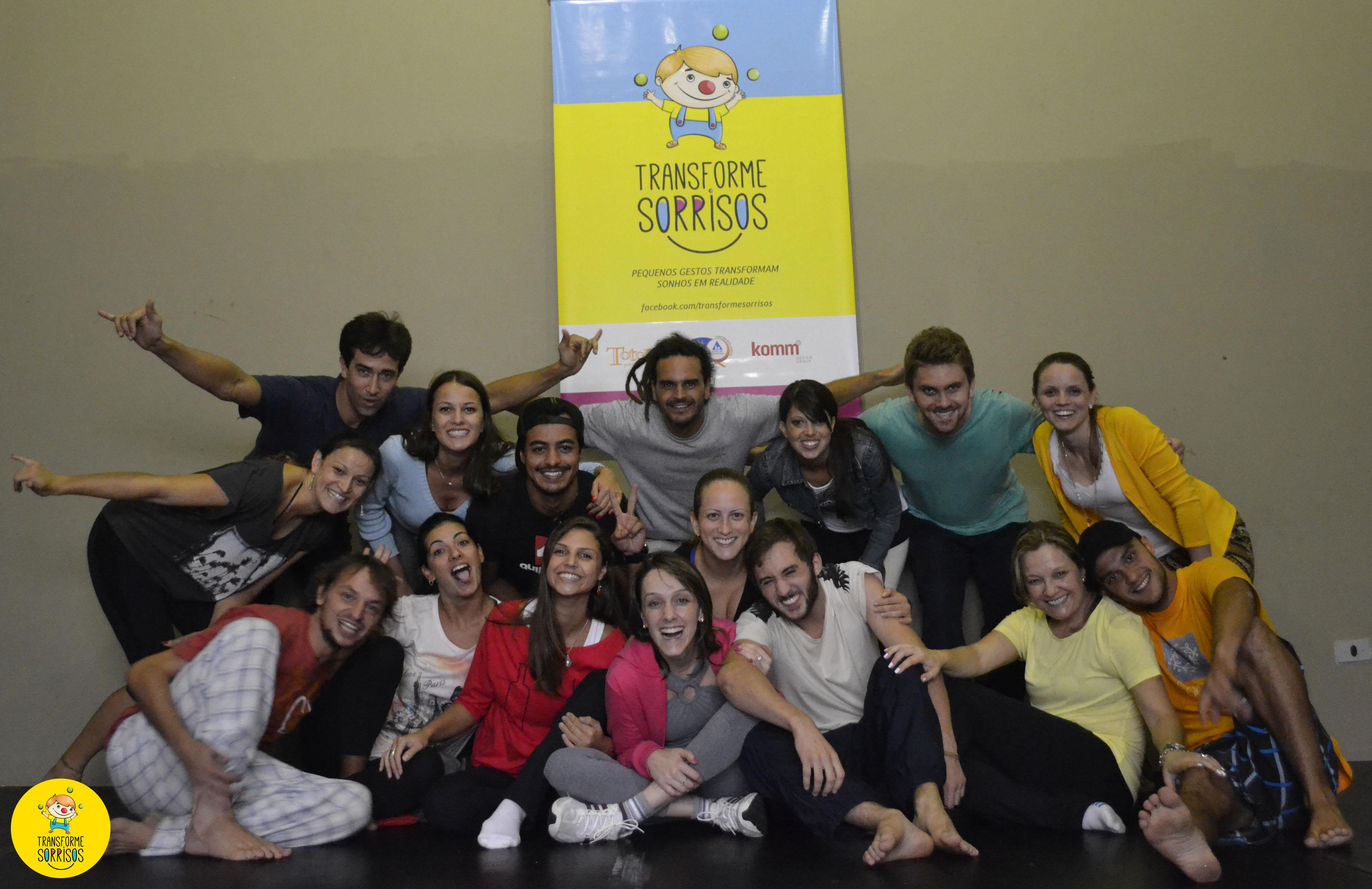 Foto da equipe da ONG Transforme Sorrisos