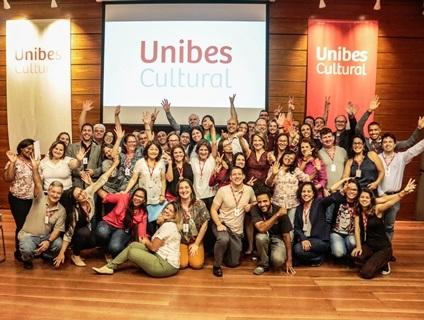 Foto da equipe da ONG UNIBES