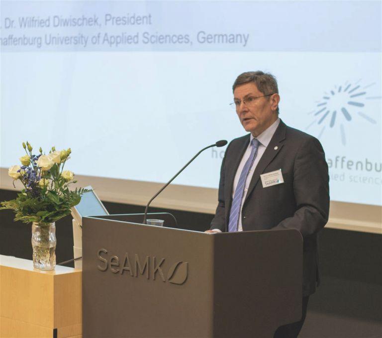 Prof. Dr. Wilfried Diwischeck, Aschaffenburg University of Applied Sciences