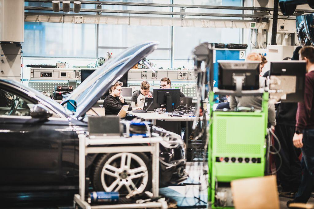 SeAMKin auto- ja työkonetekniikan laboratorio