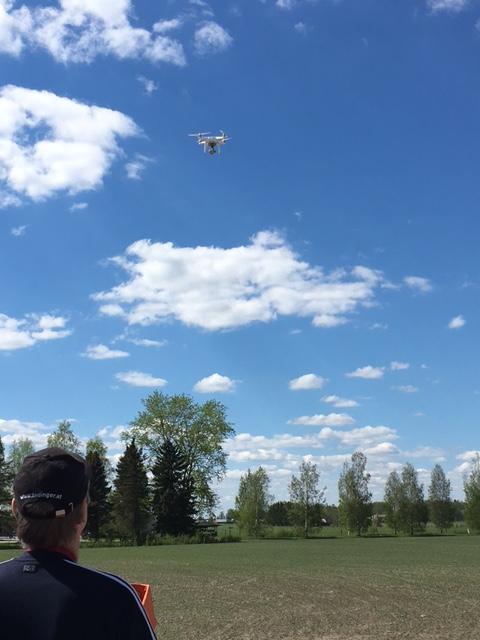 Kuvauskopterin lennättämistä