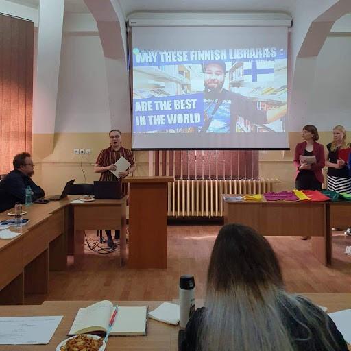 Esitys suomalaisesta kirjastojärjestelmästä