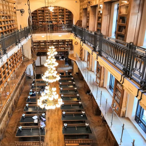 Kirjasto Romaniassa