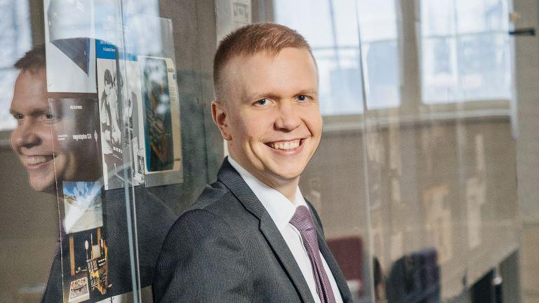 Henkilökuva Jaakko Hallilasta
