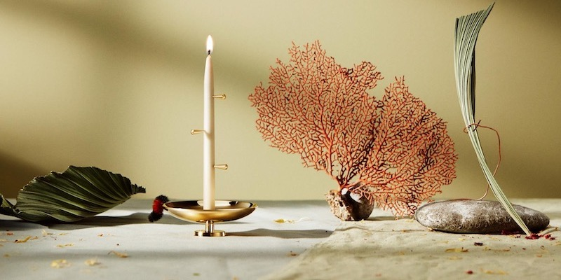BEL candle holder with leave, a piece of coral & stones on either side