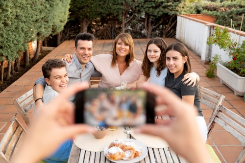 احذر من مشاركة تفاصيل حياة طفلك على وسائل التواصل الاجتماعي دون وعي!