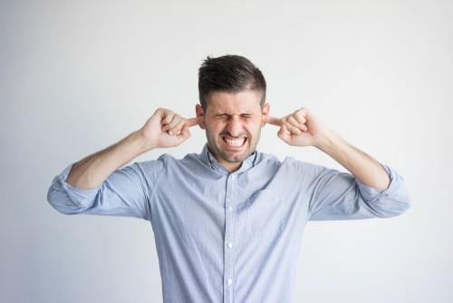 علاج طنين الأذن المستمر   متى تتوقف تلك الأصوات؟