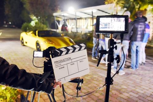 Flot bil der bliver brugt til filmproduktion