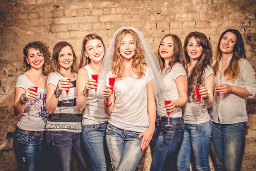 Piger til polterabend