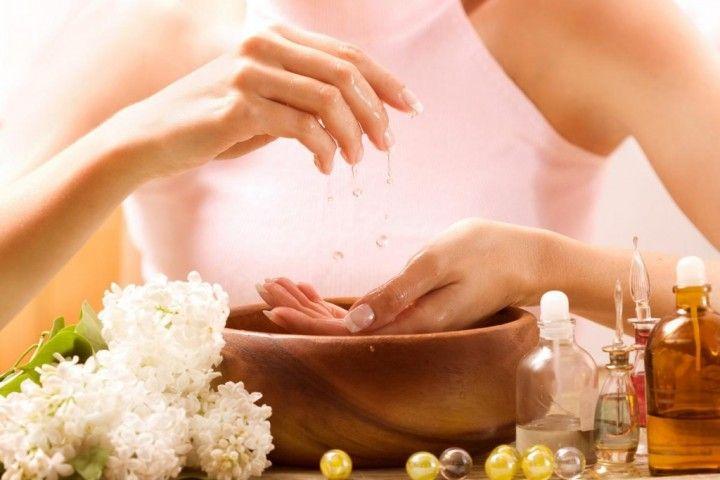Domowe sposoby na zdrowe paznokcie - odżywki, maseczki