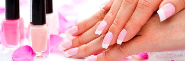 Neutralne paznokcie: 10 lakierów, które pasują do wszystkiego