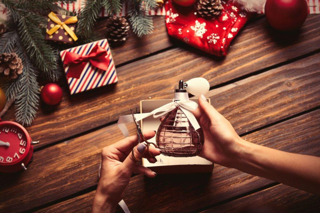 Prezent na Mikołajki: zimowe perfumy