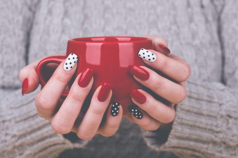 Jak wykonać żelowy manicure w domu
